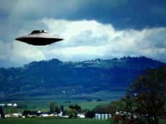 《UFO最新真相》:美军收藏十多具外星人尸体 (图)1